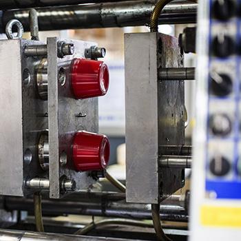 Herstellung von Kunststoff-Dosen Produktion